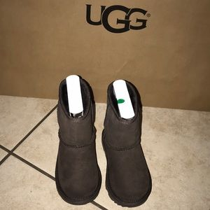 Girls Toddler Classic UGG CHOCOLATE BOOTS #9